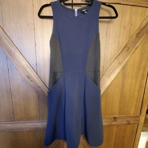 Dresses & Skirts - Bodycon dress with pockets